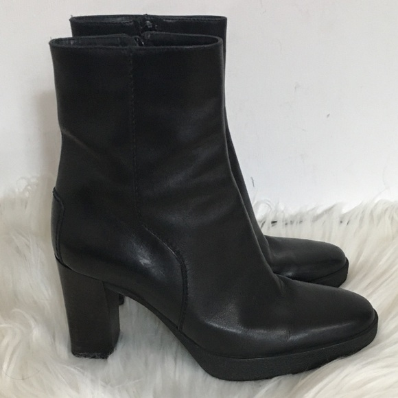 TOD'S Black Leather Ankle Boots 5 1/2